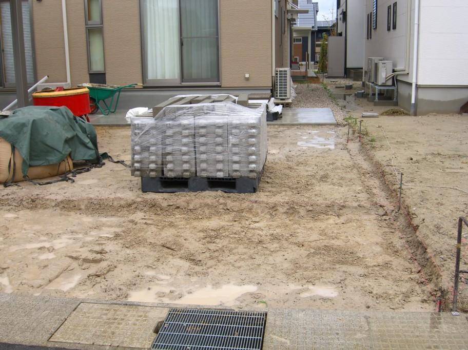 施工前のカースペース