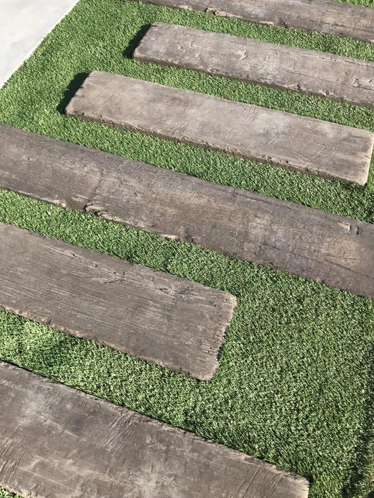 枕木 人工芝