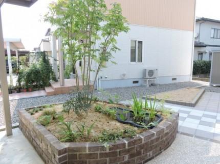 レンガ 花壇