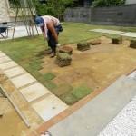 平板と芝張り