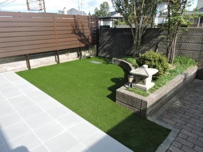 庭 アフター 人工芝 フェンス 木調