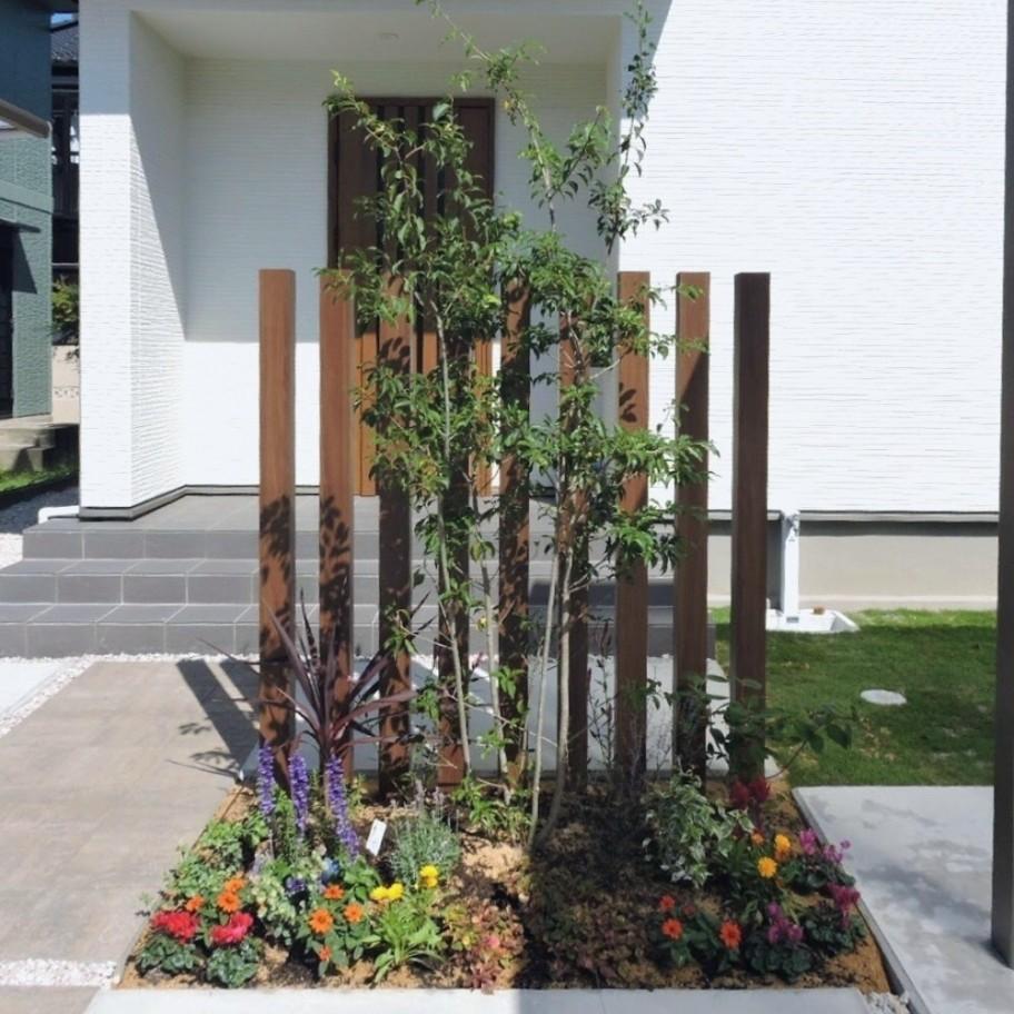 アルミスリット 植栽 シンボルツリー 下草
